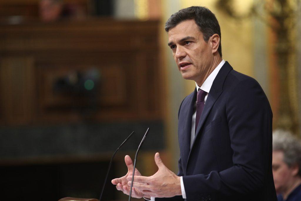(AMP) Sánchez anuncia un plan de choque por el empleo juvenil con un Estatuto del Becario