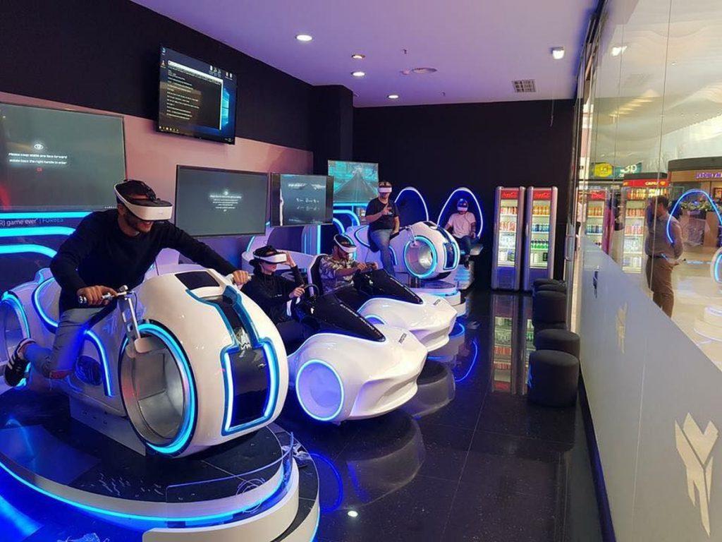 7fun abrirá en España su primer centro arcade de realidad virtual Immotion, con motos, naves y coches