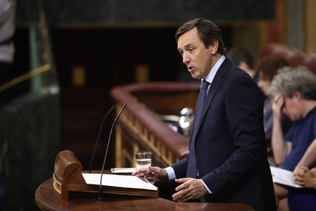 Sánchez espera que el Congreso del PP «salga lo mejor posible» y le desea «lo mejor» a su portavoz Rafael Hernando