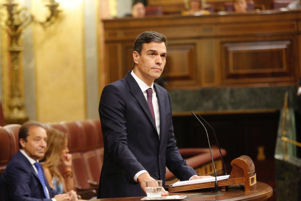 Sánchez acusa a Rivera de sacar de contexto un auto de Marlaska para atacar al Gobierno con el acercamiento de presos