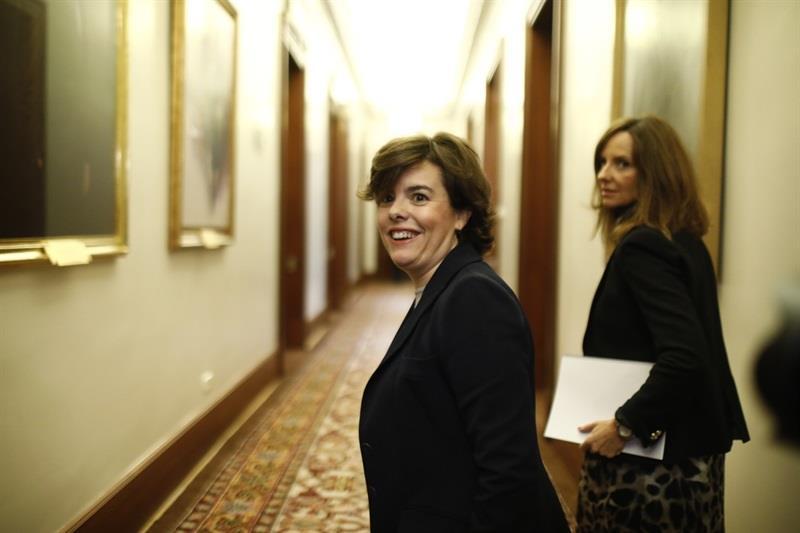 Santamaría mantiene su oferta a Casado y avisa que «juntarse» contra ella los que no han ganado quita discurso al P