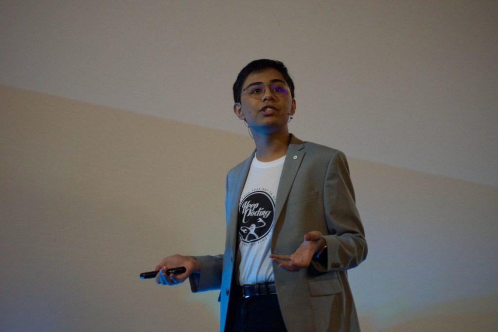 Tanmay Bakshi, asesor de IBM de 14 años: «Debería ser obligatorio aprender programación desde edades jóvenes»