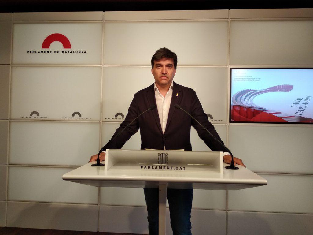 ERC acusa a JxCat de «mentir» sobre un acuerdo de diferenciar la suspensión de Puigdemont
