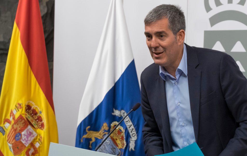Clavijo avisa que irá al Supremo si el Gobierno mantiene el descuento del 75% a residentes a la tarifa bonificable