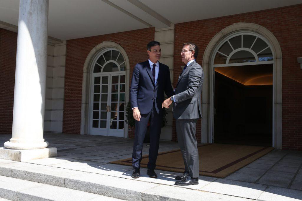 Feijóo espera que las «dos buenas horas» con Sánchez en Moncloa se concreten en «dos años de hechos»