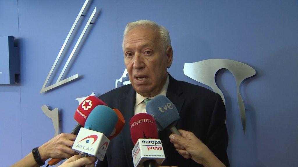 Margallo recuerda que Rajoy «prometió neutralidad» y cree que no puede enfadarse por la comida «pro Casado»