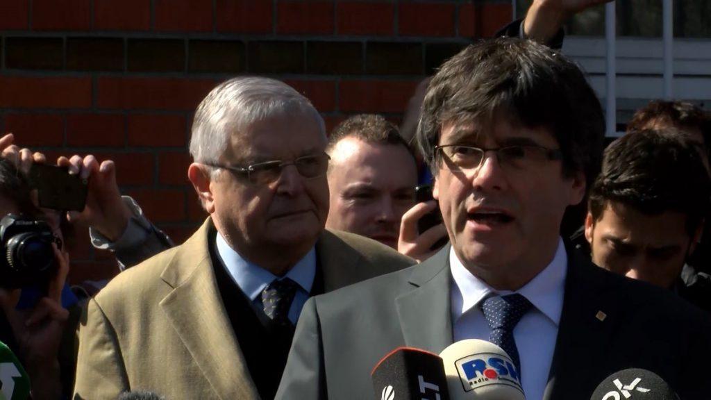 La fiscalía alemana dice que archivará la entrega de Puigdemont si se retira la euroorden