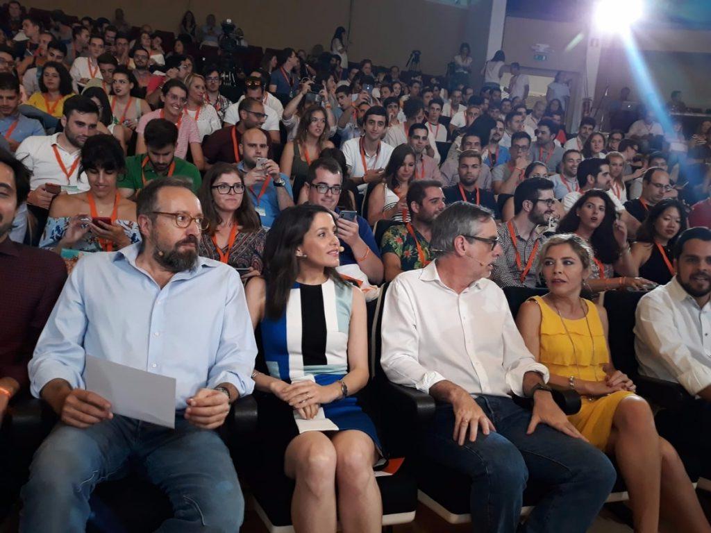 Arrimadas pide a Pedro Sánchez que «lidere» la reforma de la euroorden para que sea un «herramienta eficaz»