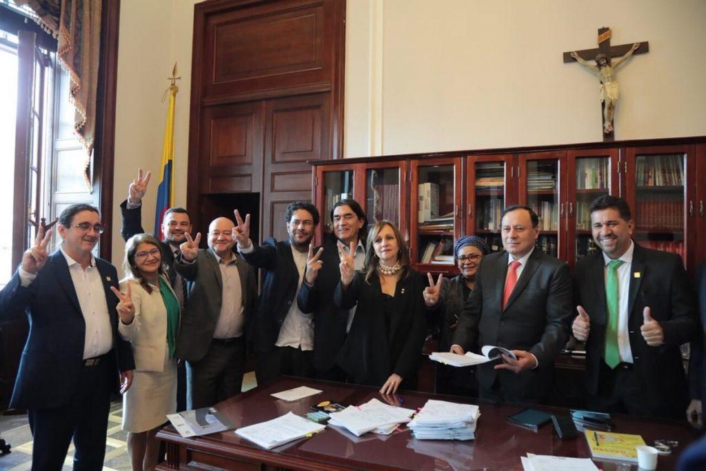 El Congreso de Colombia abre sus puertas a ex guerrilleros de las FARC por primera vez en su historia