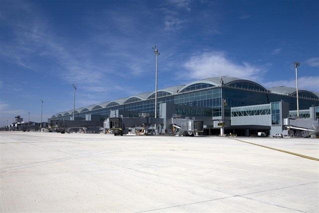 El Consejo de Ministros acuerda la expropiación de terrenos para duplicar el acceso al aeropuerto de Alicante