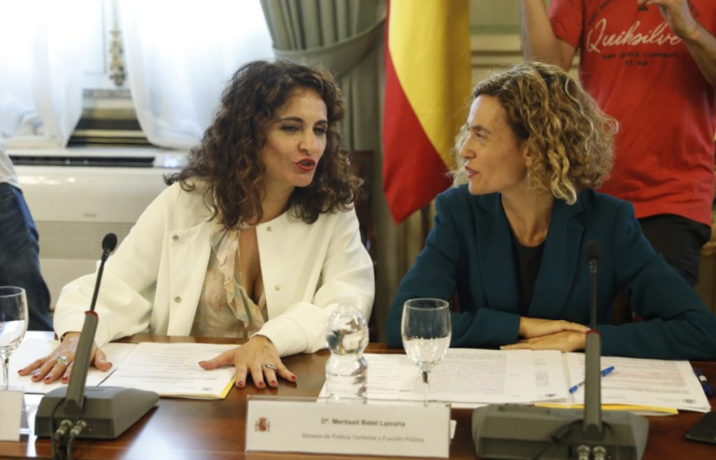 Gobierno dice que la reestructuración de la deuda es para todas las CCAA que cumplan, no solo para Cataluña y Valencia