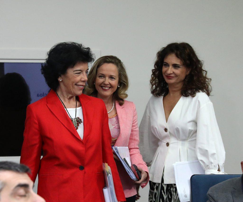 Helena Beunza, nueva secretaria general de Vivienda y Mercedes Gómez, directora de Transporte Terrestre