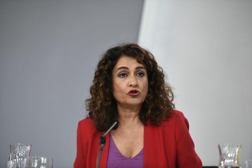 Montero lamenta que Santamaría y Casado no se hayan pronunciado sobre la senda de estabilidad