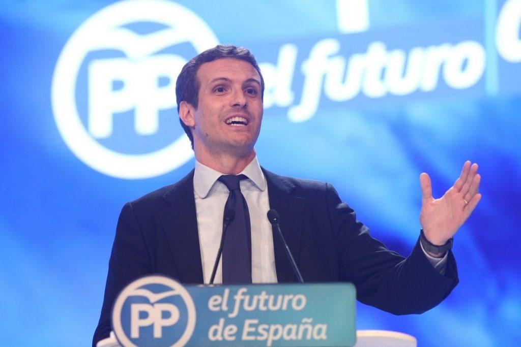Cargos y representantes andaluces del PP expresan por redes sociales sus felicitaciones a Casado