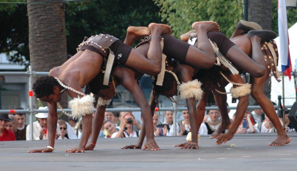 El Festival Internacional de Folklore y Danza de Getxo comienza este domingo con la presencia de grupos de Kenia y Rusia