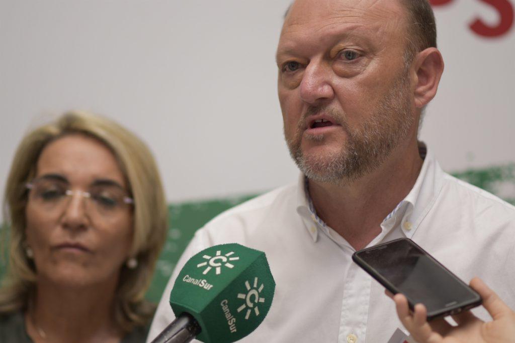 PSOE-A dice que «si por Susana Díaz dependiera, agotaría la legislatura» y «esa es la intención»