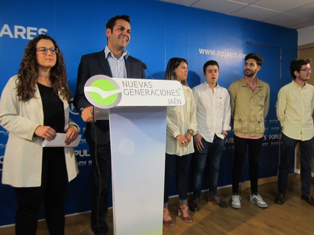 Requena felicita a Casado y destaca su «juventud, fuerza, ganas de trabajar, carisma y capacidad de diálogo»