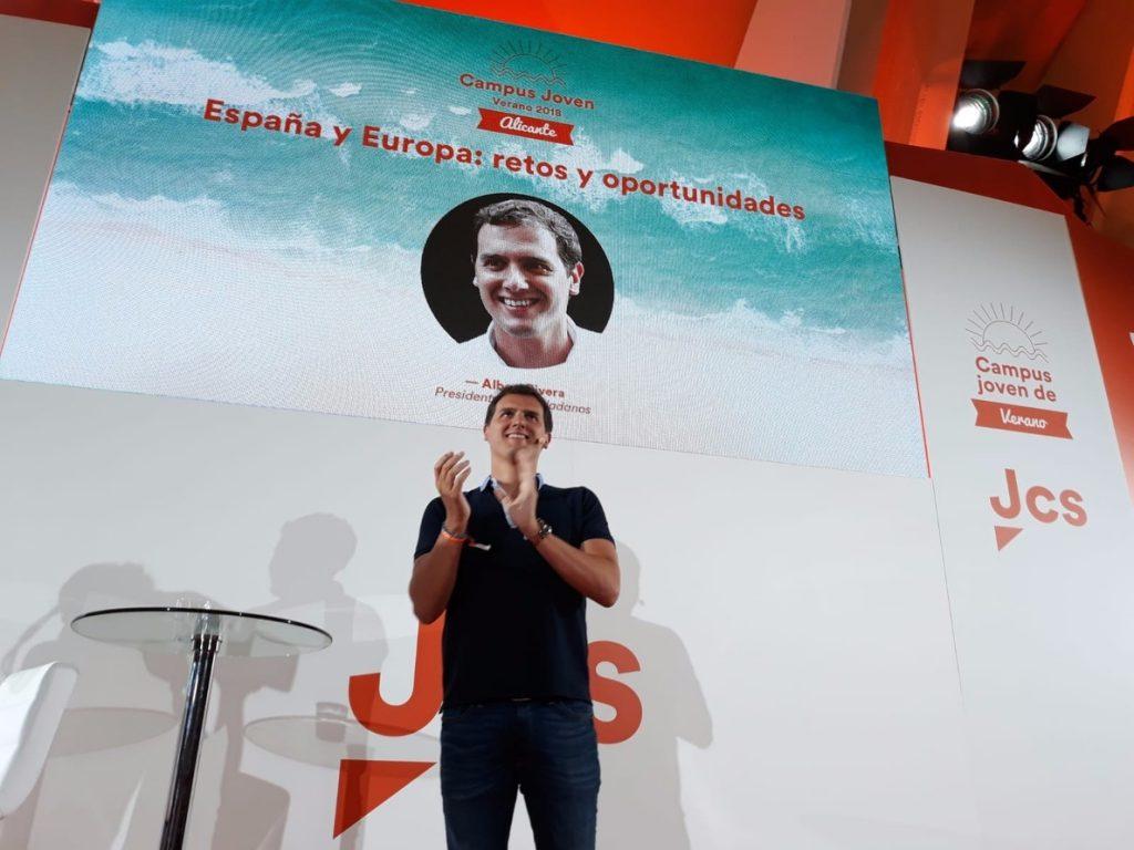 Rivera vaticina que este otoño en Cataluña el nacionalismo «se vendrá arriba» ante un Gobierno «débil»