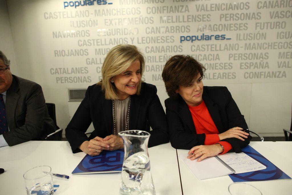 Santamaría anuncia que propondrá a Fátima Báñez como secretaria general