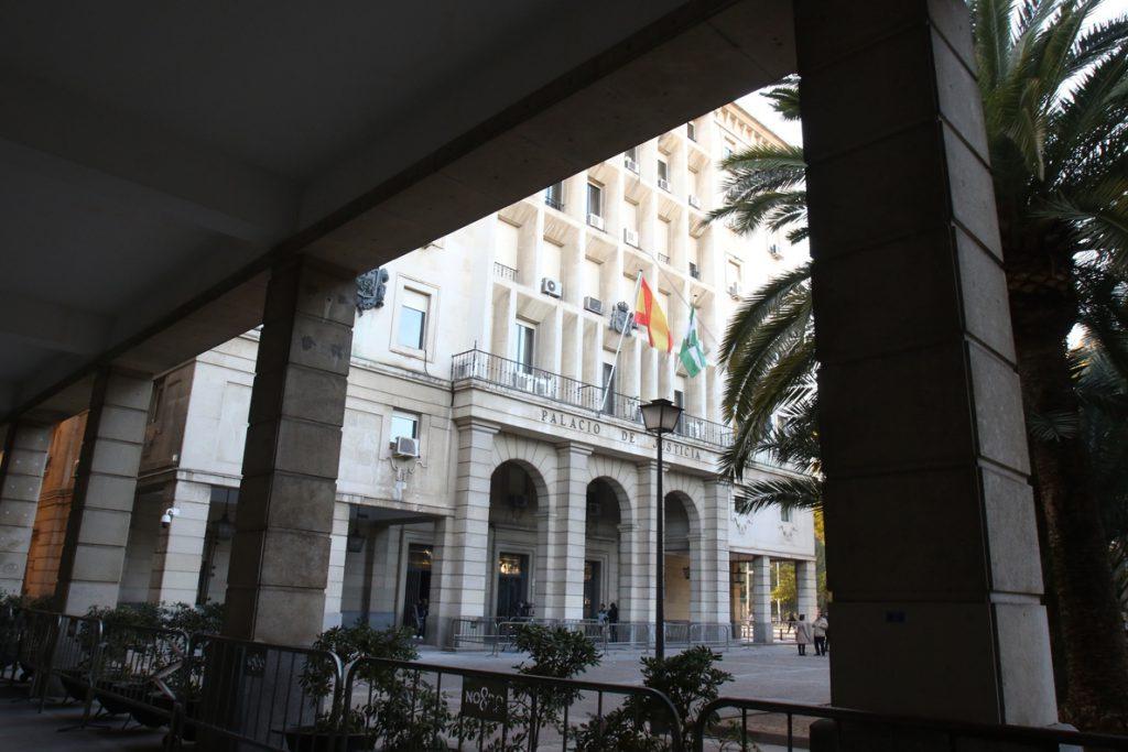 Los tres acusados de violar a una joven en la Cartuja (Sevilla) en 2017 serán juzgados a partir del 16 de octubre