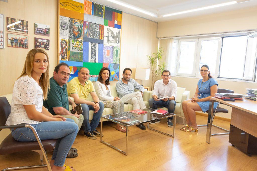 PSOE creará una beca orientada a la juventud para «promover los valores por los que luchó» Carmen Chacón