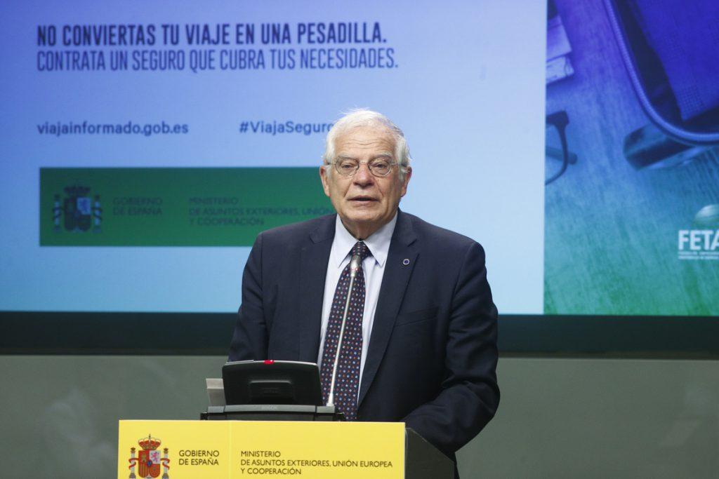 Borrell estudiará «rediseñar» la red de consulados y buscará dotarlos de más «medios materiales y humanos»