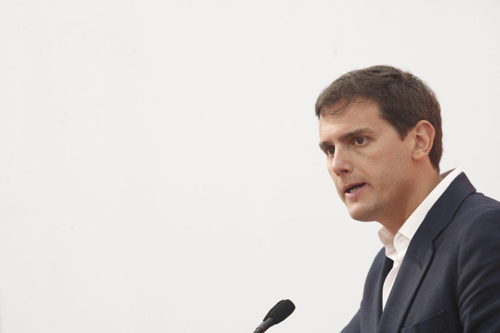 Rivera avisa de que si el Estado «desaparece» de Cataluña, algunos «se toman la Justicia por su mano» como en Vic
