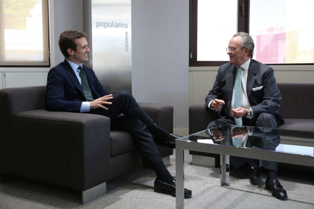 Pablo Casado cierra la ronda de expresidentes del PP con una reunión con Antonio Hernández Mancha