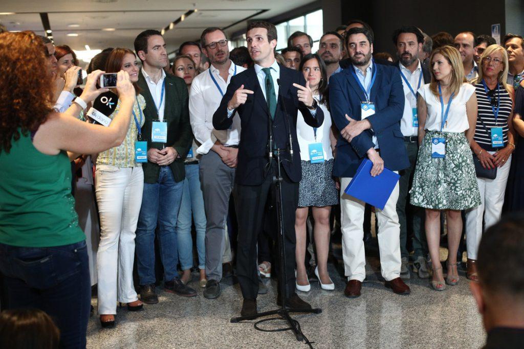 El Rey recibe mañana a Pablo Casado en Zarzuela tras su elección como presidente del PP