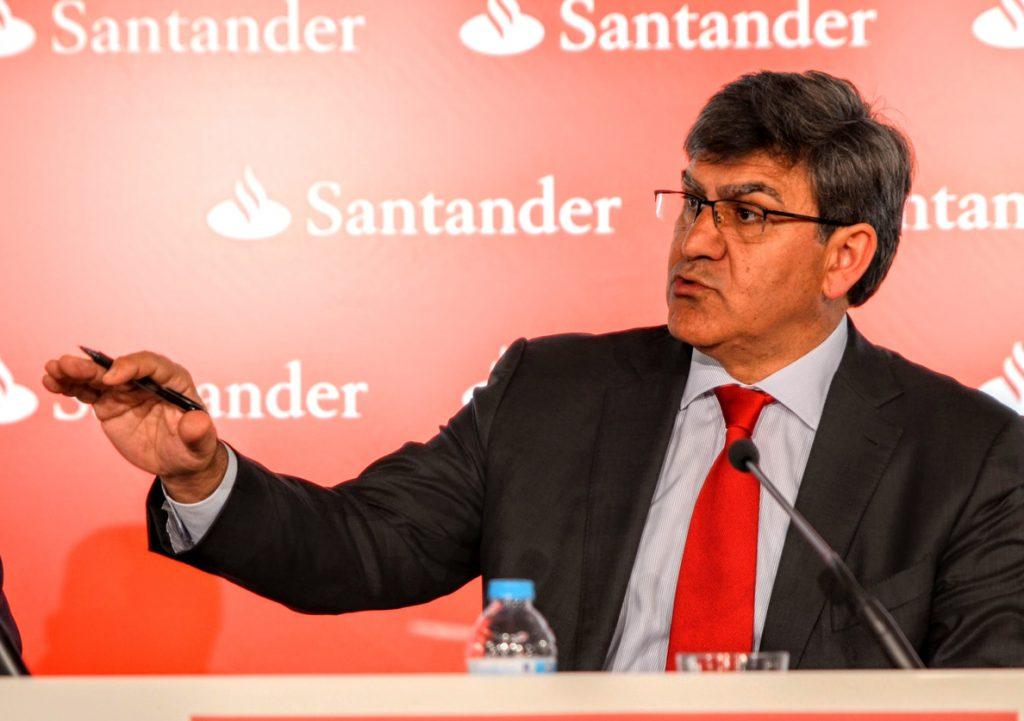 (AMP2) Santander alerta de que el impuesto a la banca pondría a las entidades españolas en desventaja