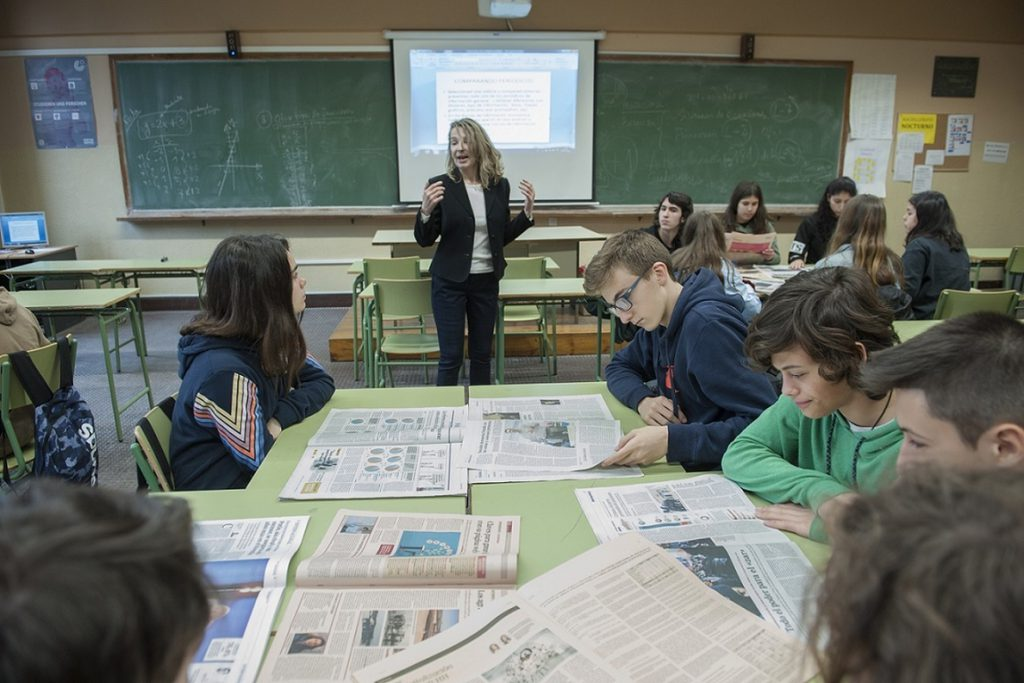 El Gobierno quiere que las CCAA regulen el horario lectivo de los profesores y bajen el número de alumnos por aula