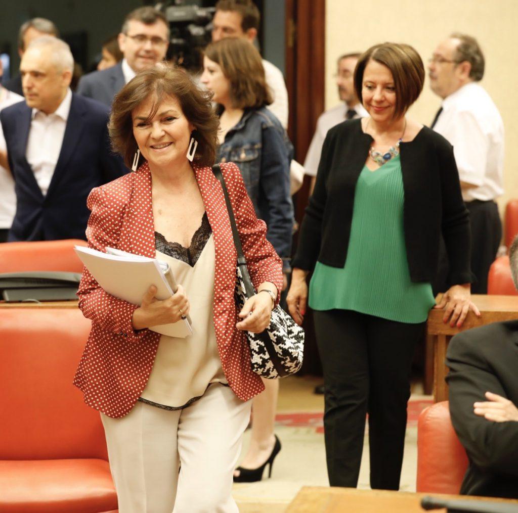 El Gobierno replica a Puigdemont que ya tiene un diálogo abierto con la Generalitat dentro del «marco constitucional»
