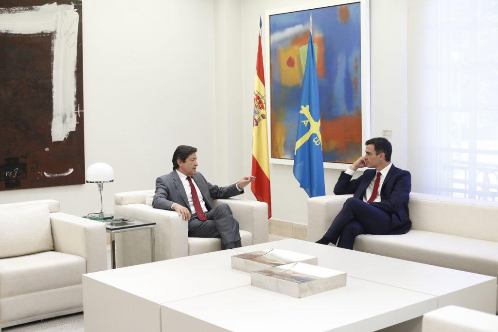 Javier Fernández constata el compromiso de Sánchez con la llegada del AVE a Asturias en 2020