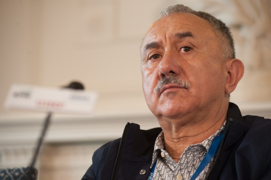 Álvarez (UGT) ve «inaceptable» la desprotección de los taxistas y pide restringir condiciones a Uber o Cabify