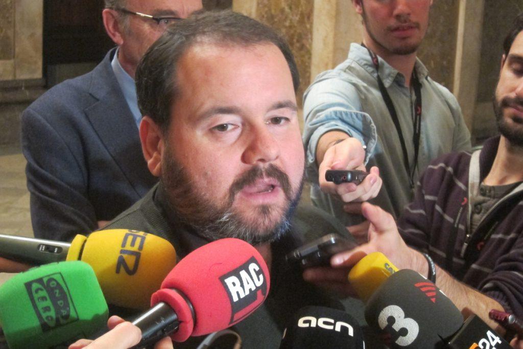 En Comú pregunta al Gobierno si piensa investigar si Rajoy ordenó a Villarejo reunirse con Corinna