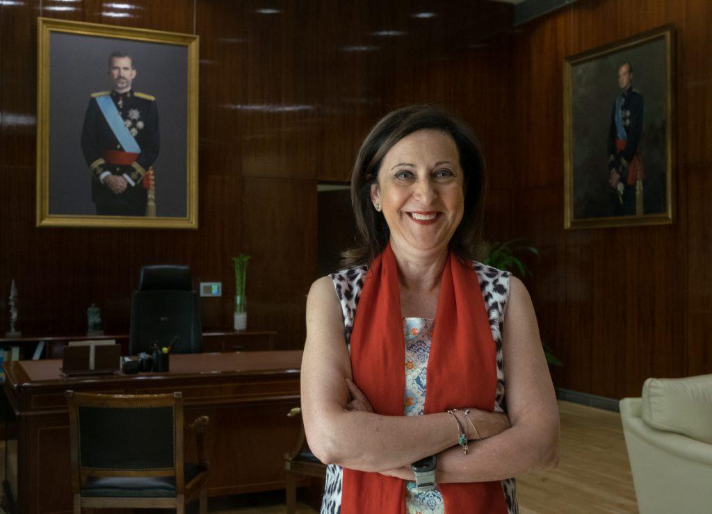 La ministra de Defensa recibe al nuevo gran canciller de la Orden de San Hermenegildo