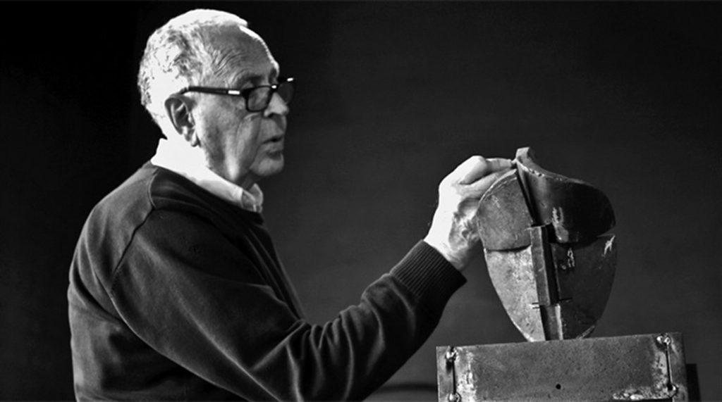 Martín Chirino, escultor del Valle de los Caídos, espera que se respeten «grandes piezas» artísticas