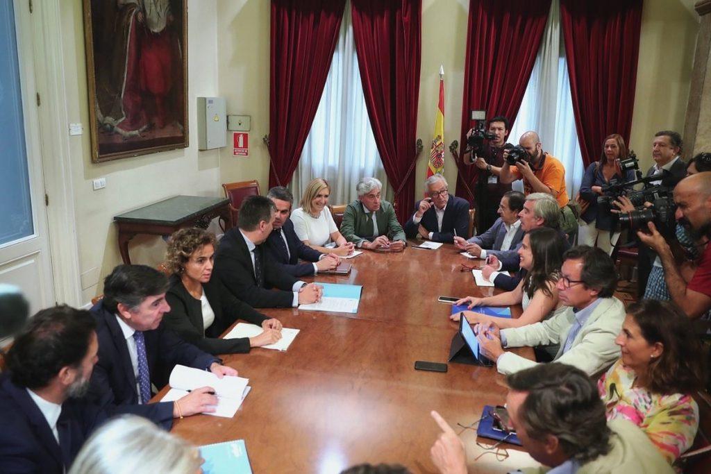 Montserrat ve en los Mossos a la «policía política» de Torra y exige al Gobierno que defienda las libertades en Cataluña
