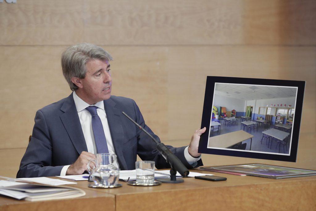 Presidente madrileño afea a Sánchez que no se haya reunido con él pero sí con Torra para «oír hablar de independentismo»