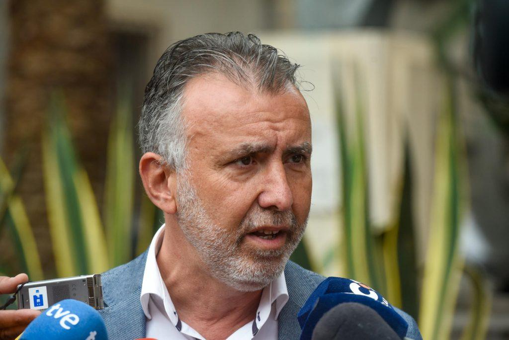 El PSOE no descarta una moción de censura contra Clavijo si es investigado por el caso Grúas