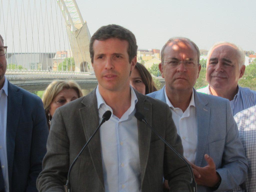 Casado insta al Gobierno a «actuar» en Cataluña o adoptarán medidas judiciales y parlamentarias para «poner orden»