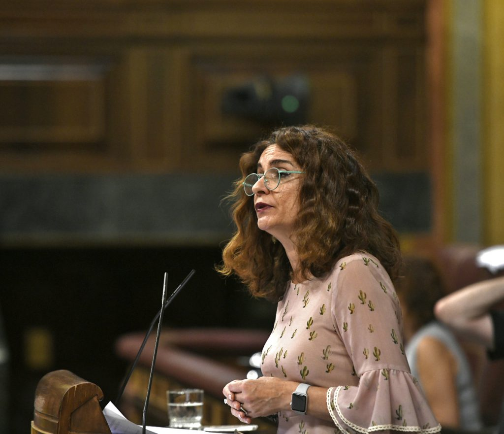 Montero confirma que está dispuesta a explorar la subida del IRPF a las rentas superiores a 150.000 euros