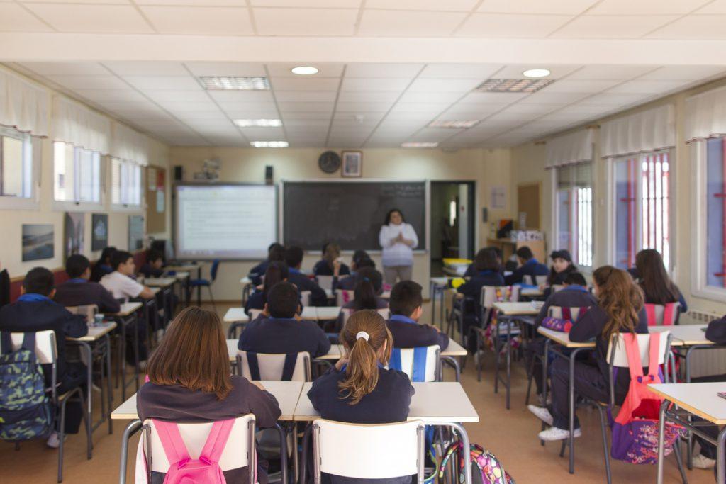 Los colegios privados españoles facturaron 12.275 millones de euros en 2017, según un estudio