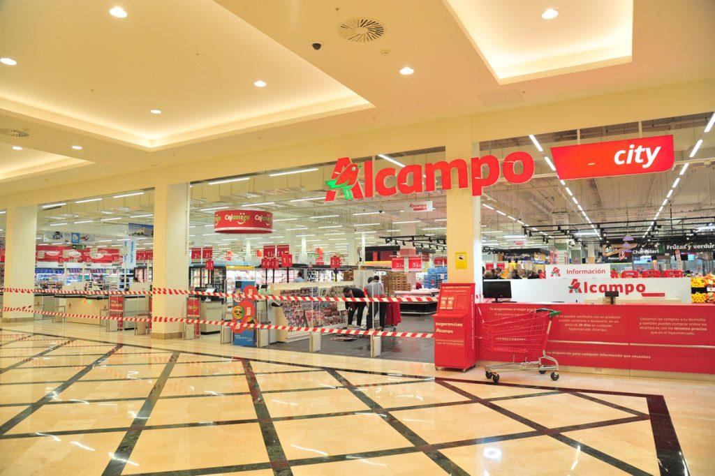 Auchan multiplica por 21 sus pérdidas semestrales por los costes de transformación