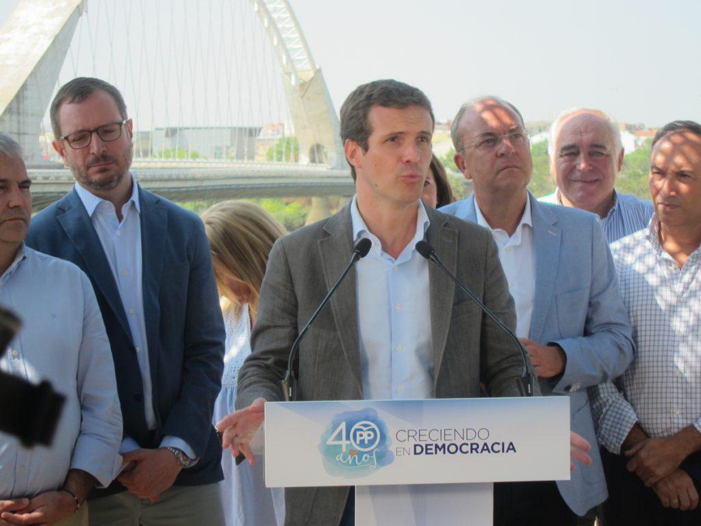 Casado recuerda a Sánchez que aplicar el 155 requiere los votos del PP, que instará a hacerlo si sigue la ilegalidad