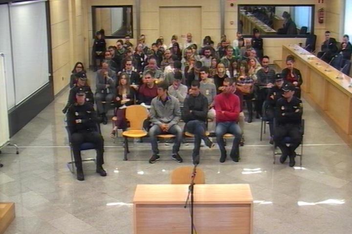 Trasladan a otros dos presos de Alsasua desde Madrid a cárceles de Álava y Pamplona