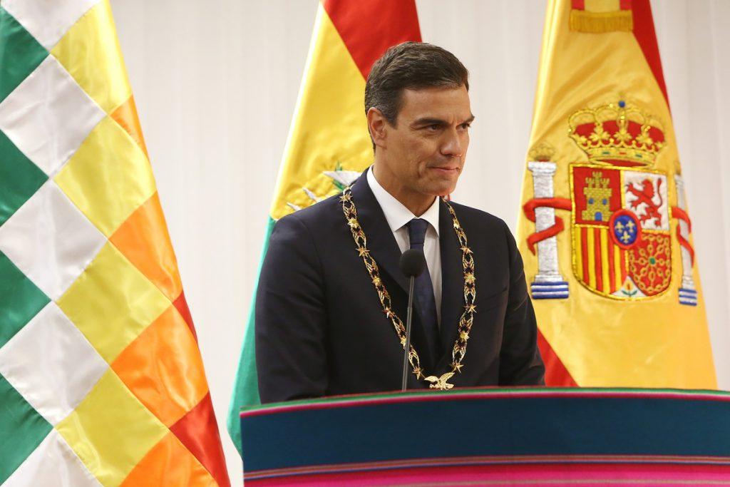 Pedro Sánchez no contempla la demolición de la cruz del Valle de los Caídos