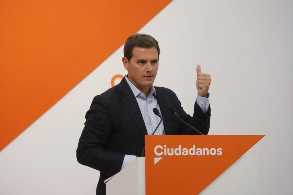 Rivera pregunta a Sánchez si pretende aprobar otro Estatut «inconstitucional» para Cataluña: «Es una barbaridad»
