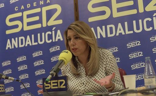 Susana Díaz critica los «volantazos» de Cs, fruto del «nerviosismo» de Albert Rivera