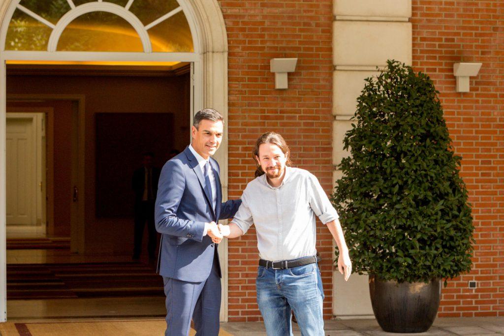 Iglesias anuncia un pacto para derogar recortes educativos en septiembre, que no sería efectivo hasta el próximo curso